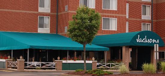 Jacksons Restaurant + Bar: Outside