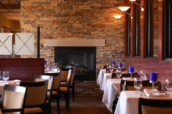 Jacksons Restaurant + Bar: Dining Room