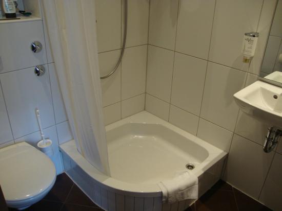 Novum Hotel Savoy Hamburg Mitte: Sehr sauber und modern eingerichtet