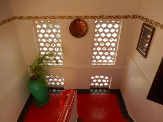 18 Prachtige Trappenhuizen : Het prachtige trappenhuis picture of zenji hotel stone town