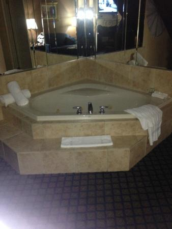 Jacuzzi Tub in The Romeo & juilet Suite