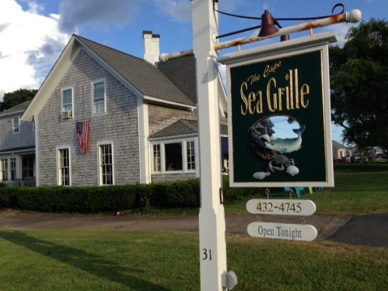 Cape Sea Grill: Simple and Cozy