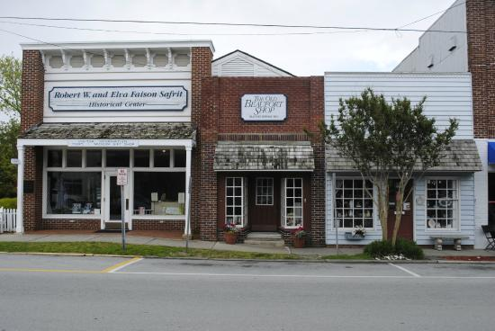 Beaufort Historic Site Visitor Center and Museum: Visitors Center and Old Beaufort Shop