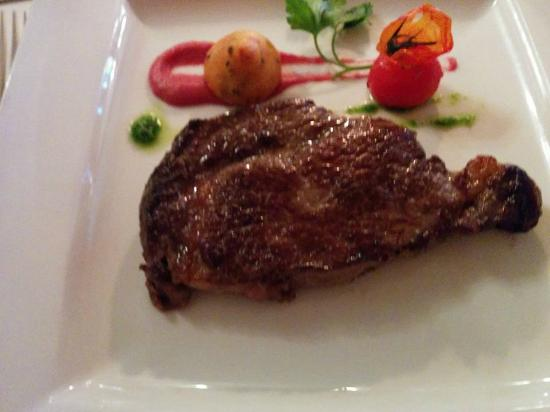 Castle Murray House Hotel & Restaurant: Grilled Prime 10oz Irish Angus Sirloin Steak