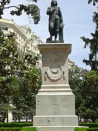 Prado National Museum: Estatua de Murillo