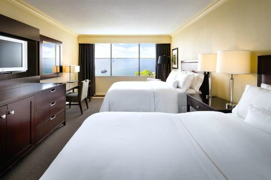 The Westin Harbour Castle: Lakeview Guest Room