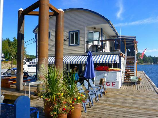 """Upper Deck Cafe : Walking deck and stairs to the """"Upper""""deck."""