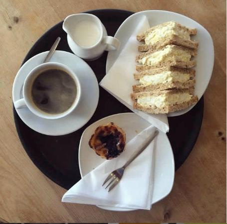 The Borough Cafe: A coffee and a sandwich