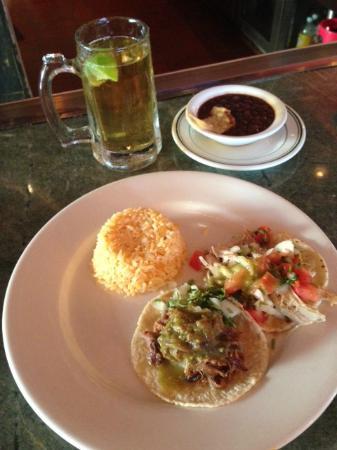 La Serenata Gourmet: Cicken and Beef Taco