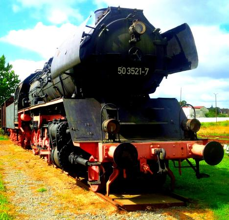 Meyenburg, Niemcy: BR 50 Steam locomotive in the garden from 1943!