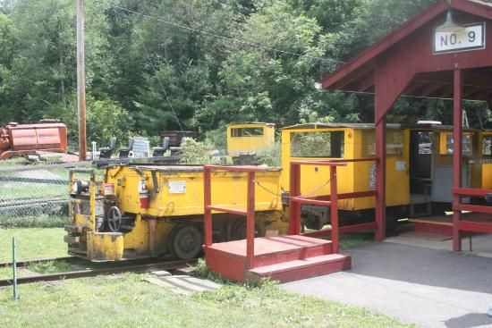 Lansford, Pensilvania: The mine train and cars