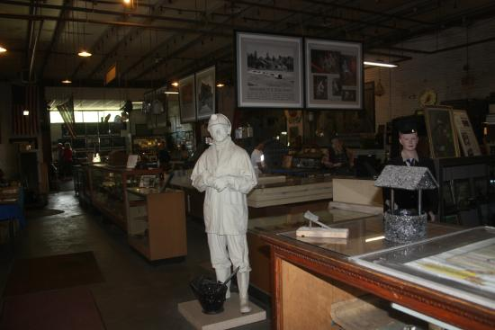 No. 9 Coal Mine & Museum: The inside of the museum