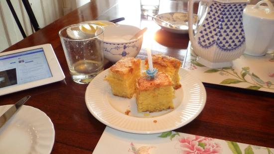 Manor Cottage Bed & Breakfast: My birthday cake
