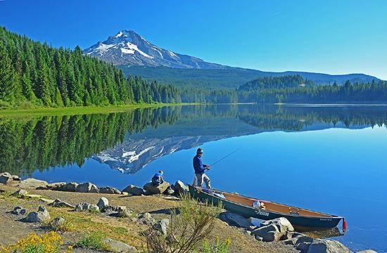 Hood River, OR: Father & son fishing on Trillium Lake