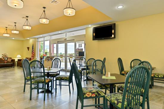 Americas Best Value Inn - Cocoa / Port Canaveral: Complimentary Breakfast