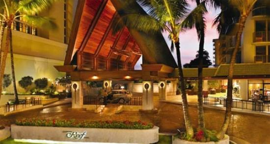 Front Entrance Picture Of Outrigger Reef Waikiki Beach