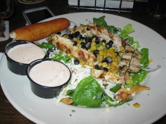 Streetcar Kitchen and Pub: Southwest Chicken Salad