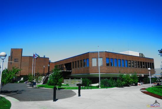 Hôtel de ville et parc de Yellowknife