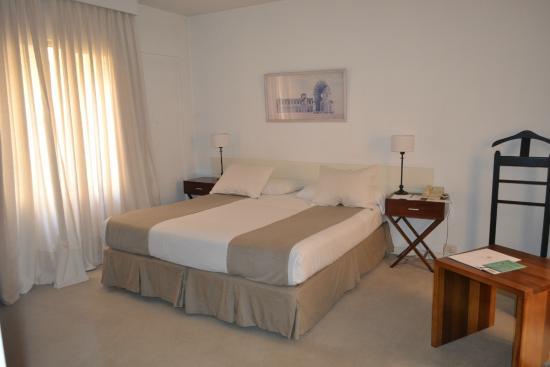 Loi Suites Arenales Hotel: Habitación