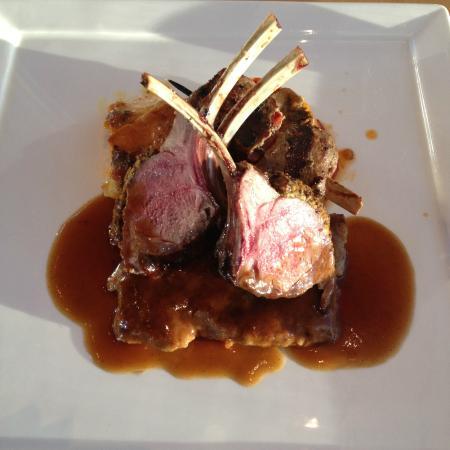 Azuridge Estate Hotel: Lamb