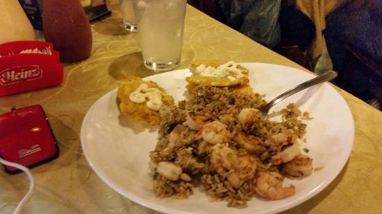 Hotel Playa Bonita: Excelente cena de arroz con camarones y como postre un excelente flan de coco