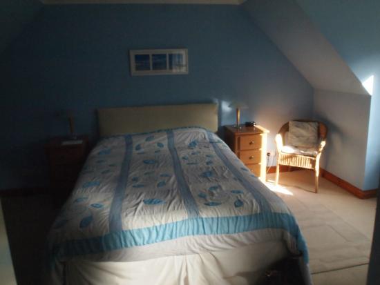 Burntree House Bed & Breakfast : Huge comfy bed