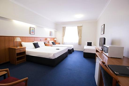 Comfort Hotel Perth City : Economy Family