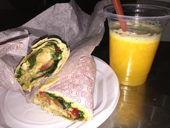Achajour Cafe: Курица и фрэш