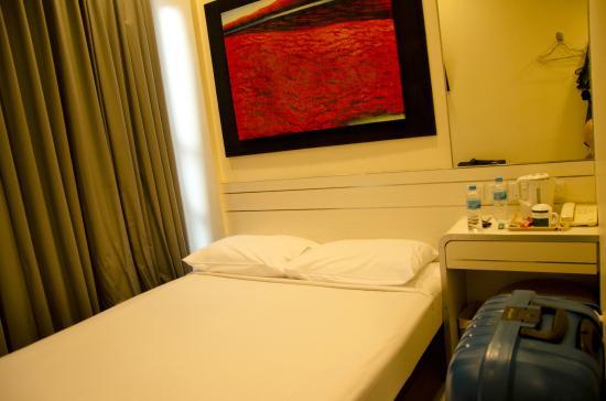 Hotel 81 - Elegance: bed