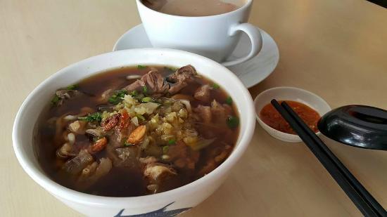 Tangkak Beef Noodle Kuchai Lama 东甲牛腩面(鸿图圆)