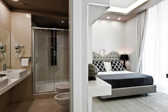 Box doccia multifunzione in cristallo con bagno turco soul