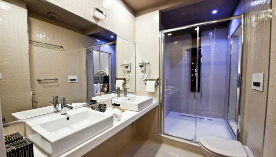 Cabina doccia idromassaggio vasca sauna arredo bagno turco