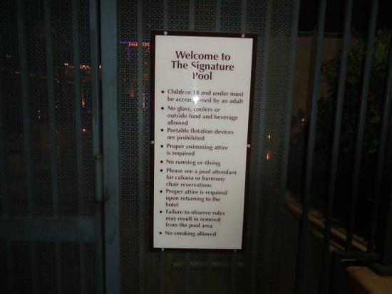 Pool Rules Picture Of Signature At Mgm Grand Las Vegas