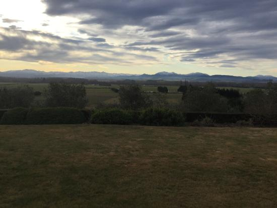 Longview Farmstay Bed and Breakfast: View from our bedroom.