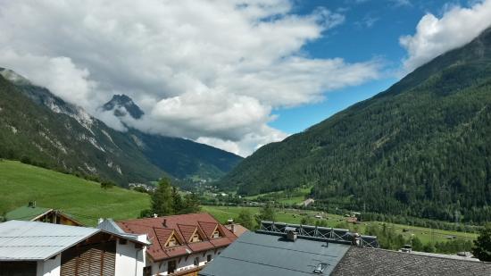Hotel Gridlon Wellness am Arlberg: Views from the hotel