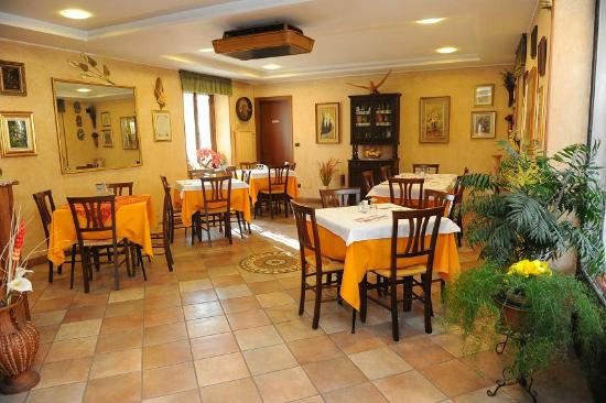 La Credenza A Bussoleno : Hotel isolabella reviews & price comparison bussoleno italy