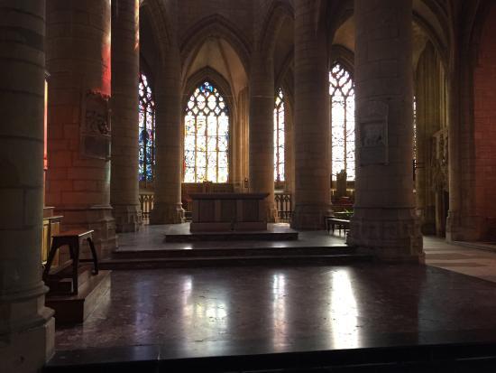 Basilique Notre-Dame-d'Esperance
