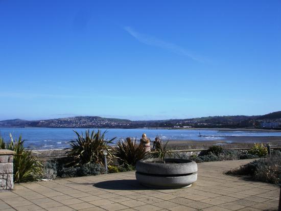 Penrhyn Bay, UK: Rhos centre on the promenade