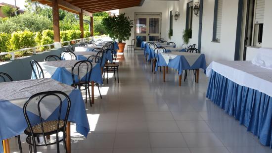 New Hotel Blu Eden: IL TERRAZZO DOVE SI FA LA COLAZIONE