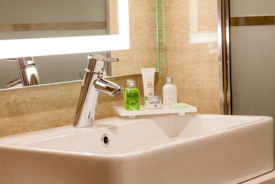NH Oviedo Principado: Bathroom