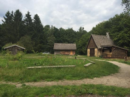 Middelalderlandsbyen