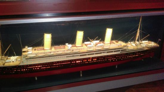 Museum of Hamburg History: A boat similar to 1912 Titanic