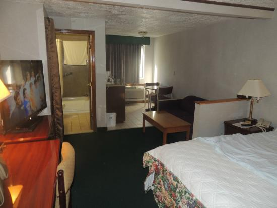 Rodeway Inn Branford: large and comfortable