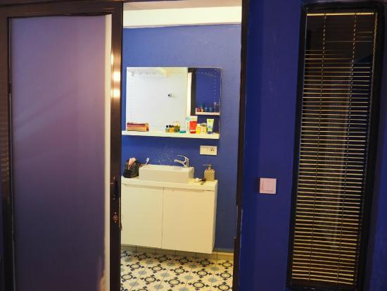212 Istanbul Suites: Bathroom