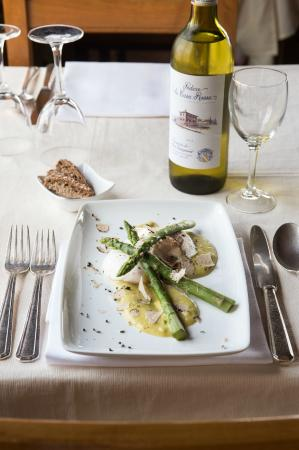 Le Terrazze: Ponced eggs with asparagus and fresh truffles