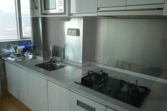 Yaju Apartment Hotel Chongqing Jiefangbei: ห้องครัว อุปกรณ์ทำครัวครบ