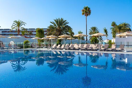 Piscina picture of sol barbacan hotel playa del ingles for Piscina playa del ingles