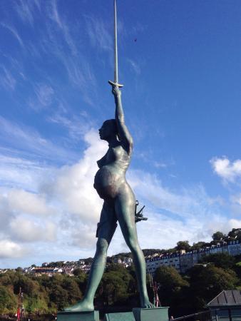 Verity Statue: Stunning statue..