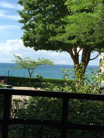Weathervane Terrace Inn and Suites: Second floor view of Lake Michigan