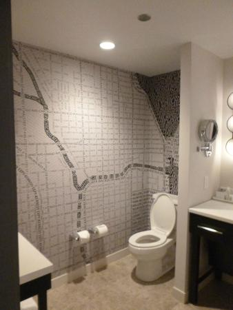 Loews Chicago Hotel: Modern Bathroom With A Map Of Chicago As Wallpaper.